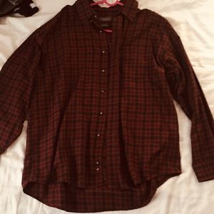 Can Heusen large red and black plaid button down
